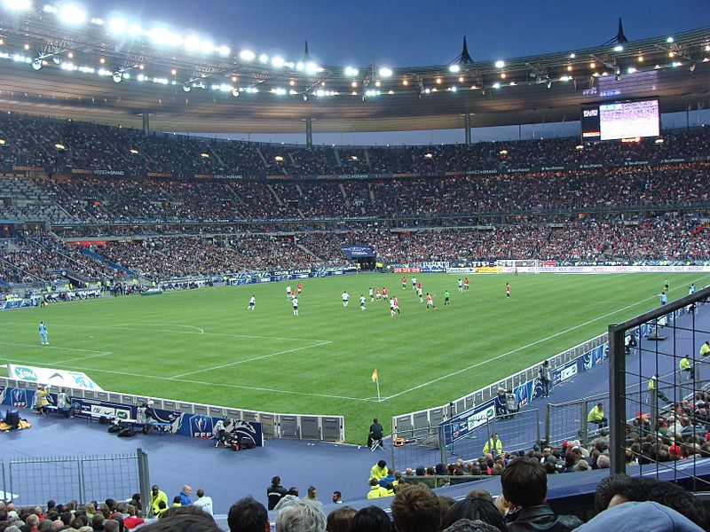 800px-Finale_Coupe_de_France_2010-2011_(Lille_LOSC_vs_Paris_SG_PSG)